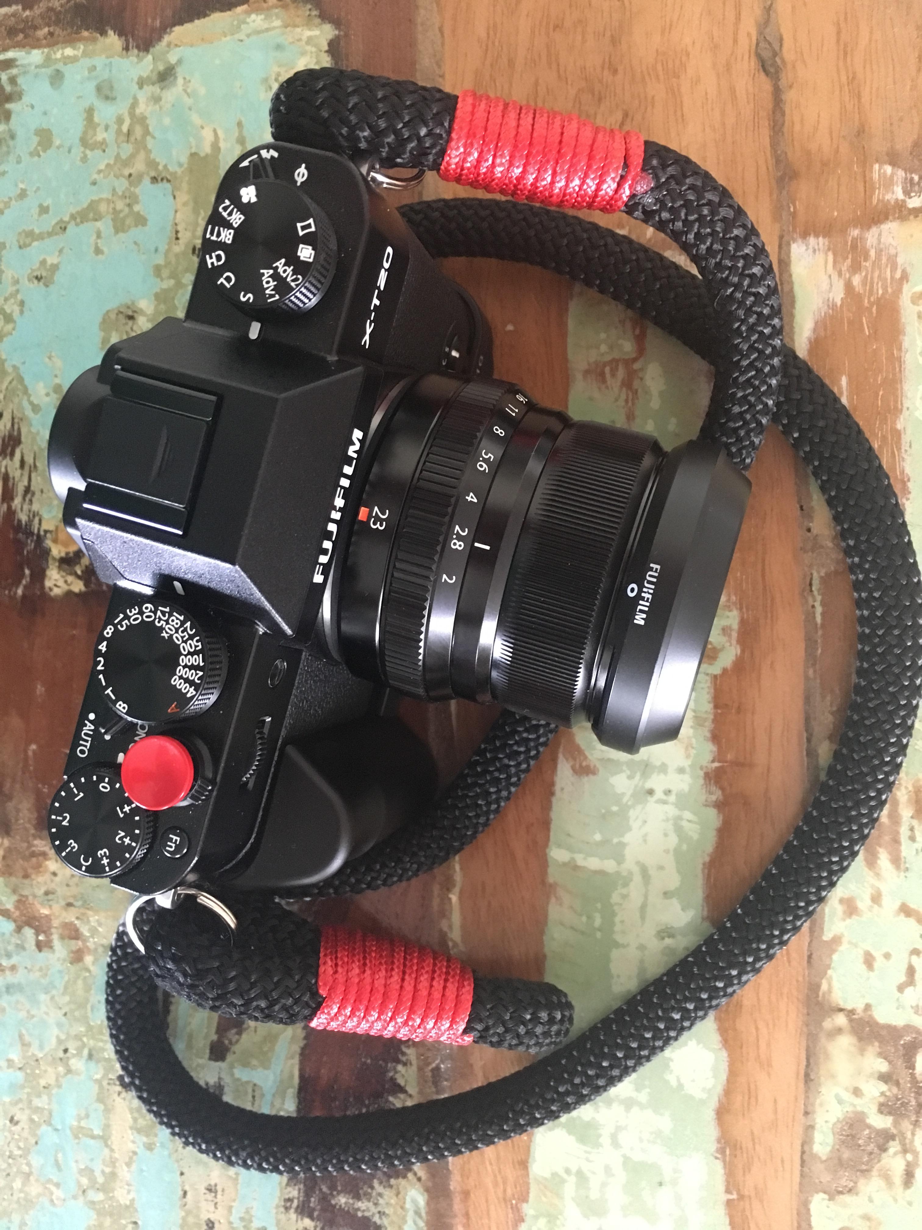 FUJIFILM X-T20 mit Hyperion Handmade Camera Strap